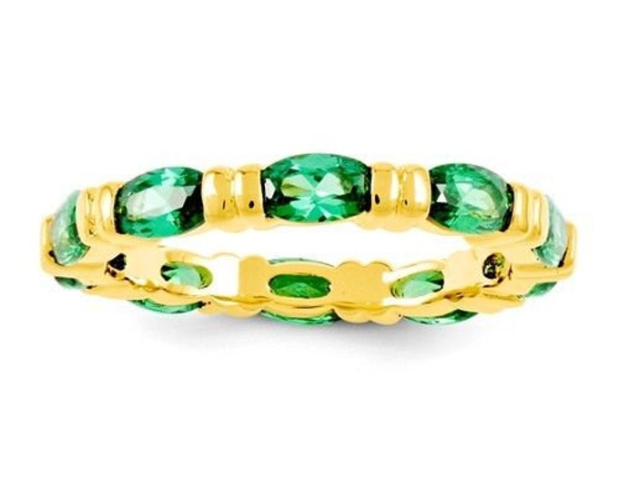 Jackie Kennedy 10-Year Anniversary Ring - Gold with Green Stones