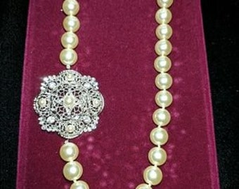 Jackie Kennedy Pearl Necklace with Silver Filigree Clasp - 352