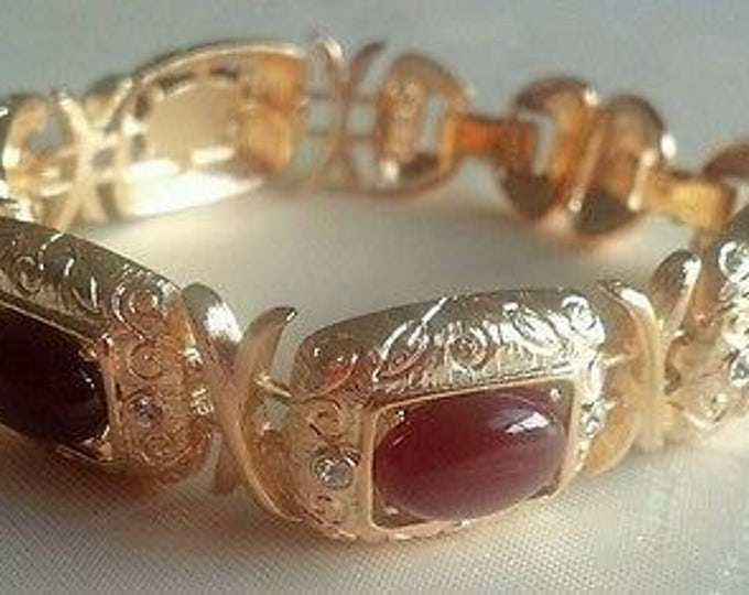 Jackie Kennedy Bracelet - Gold with Carnelian Stones for Courage - 418
