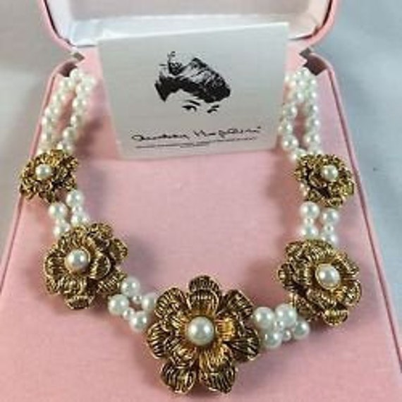 Audrey Hepburn Necklace - Pearls with Gold Flowers