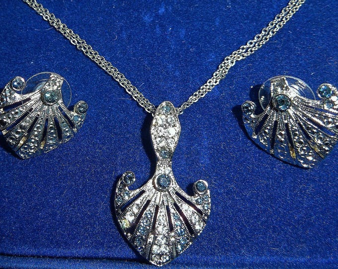 Jackie Kennedy Jewelry SET - Silver Necklace and Earrings with Sapphire Stones