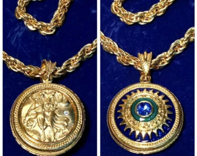 Jackie Kennedy Medallion Necklace - Gold Necklace with Reversible Pendent - 249 tms1