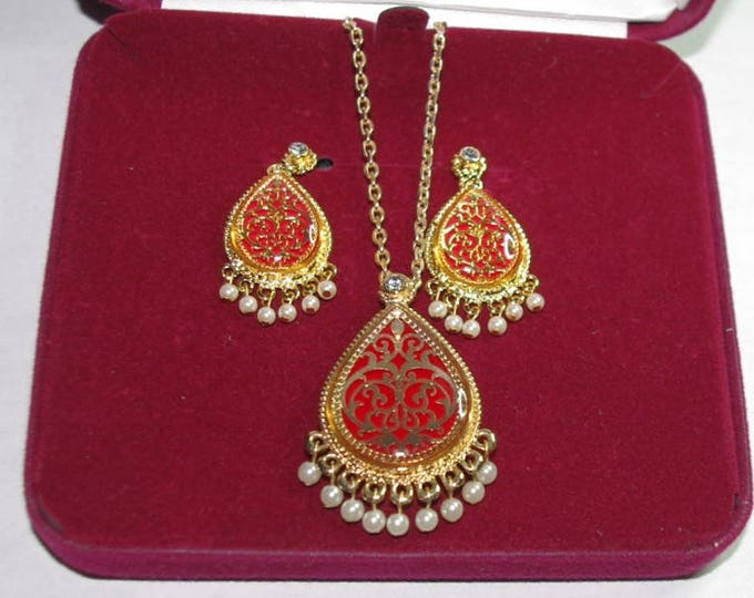 Jackie Kennedy Moroccan Jewelry Set - Red Enamel Pin Pendant, Necklace and Earrings