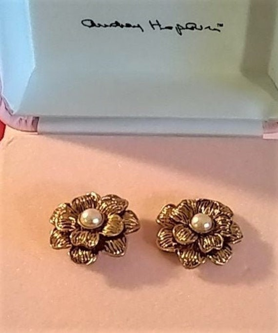 Audrey Hepburn Earrings - Gold Tone with Pearl Cen