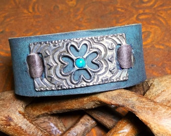 Turquoise leather cuff flower pendent bracelet