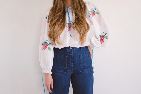 Vintage Hand Embroidered Blouse  // 70's fashion.