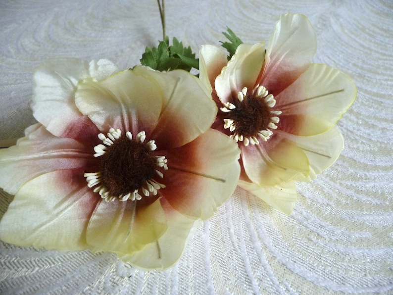 Vintage Twin Millinery Anemones Pale Yellow Cream Copper Rust Silk Millinery Flowers Poppies NOS Germany for Hats Fascinators Crowns Corsage