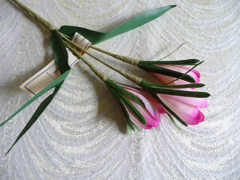 Vintage Bundles Millinery Flowers Sm White w//White Stamens  French