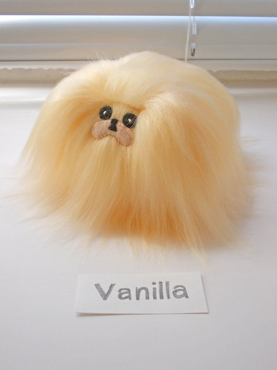 Cream Pekingese, Peach color Pekingese, Pekingese plush, Pekingese stuffed  dog, Pekingese gif, miniature dog, light pekingese furry toy