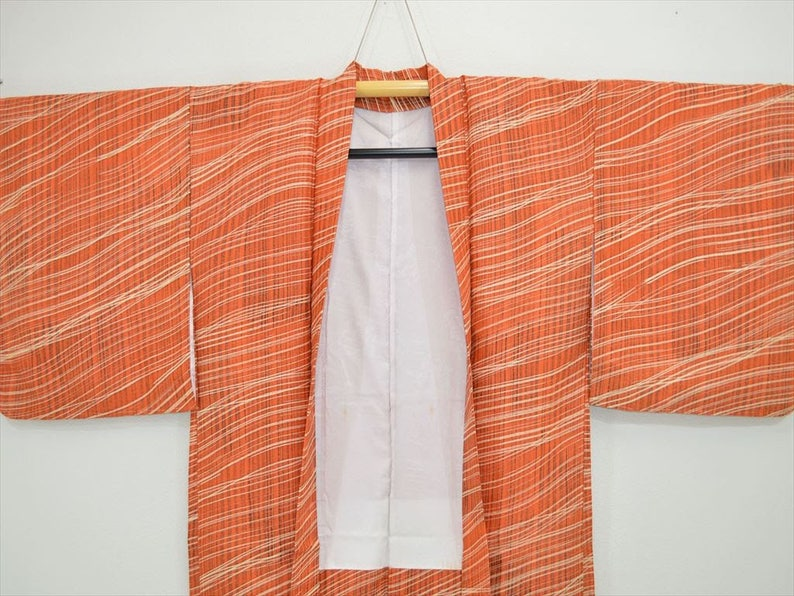 Unique Red Orange Wavy Stripe kimono jacket. HAORI Z98e