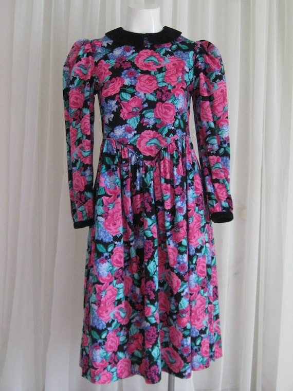 GIRLS FLORAL DRESS 1980s vintage Cary basque waist