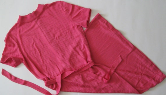 MOD DRESS 1960s vintage hot pink knit shift with b