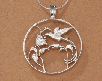 Hummingbird charm,Flower pendant,mini coin charm,medallion birdMatte Rhodium plating2pcs P1076Coin Hummingbird charm,vintage coin charm