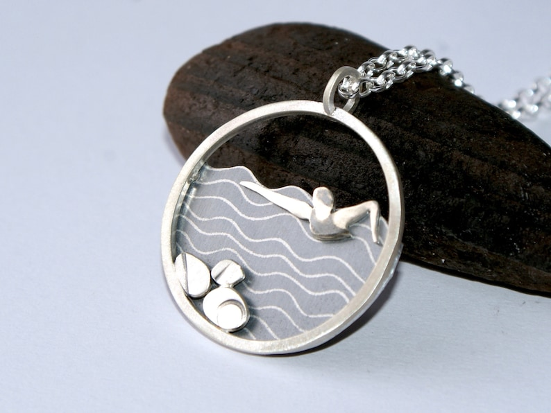 The swimmer necklace