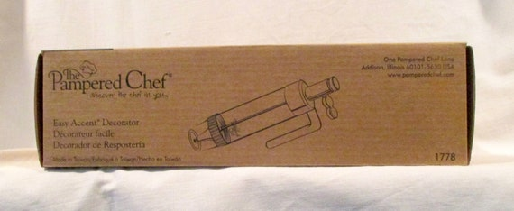 U CHOOSE PAMPERED CHEF REPLACEMENT PART EASY ACCENT DECORATOR # 1778....