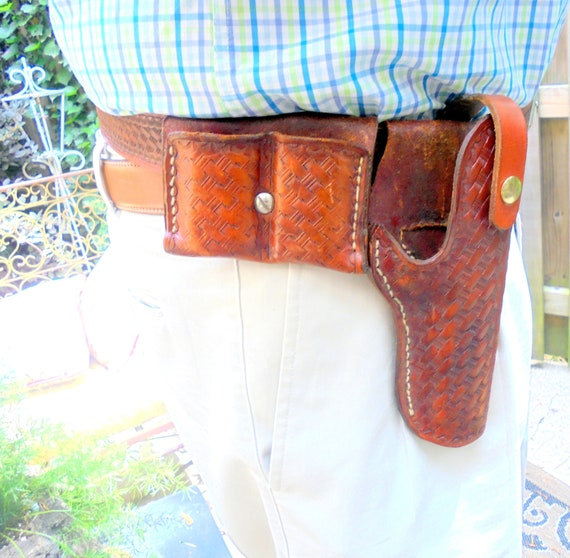 Gun Belt and Holster Right Handed Vintage Leather Hand Tooled Gun Belt and Holster Chocolate Brown Buscadero Gun Belt and Holster