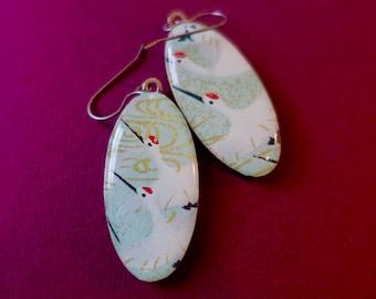 Crane earrings, Paper Earrings, Chiyogami paper earrings, Japanese paper earrings, animal earrings, animal jewelry, lightweight earrings