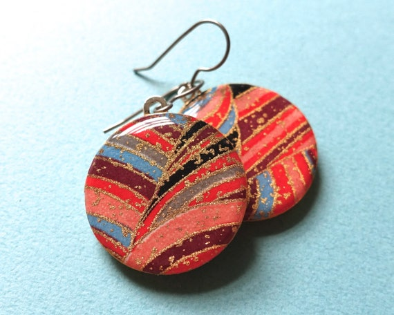 Red earrings, gold earrings, lightweight earrings, Japanese paper earrings, Japanese paper jewelry, chiyogami earrings, chiyogami jewelry