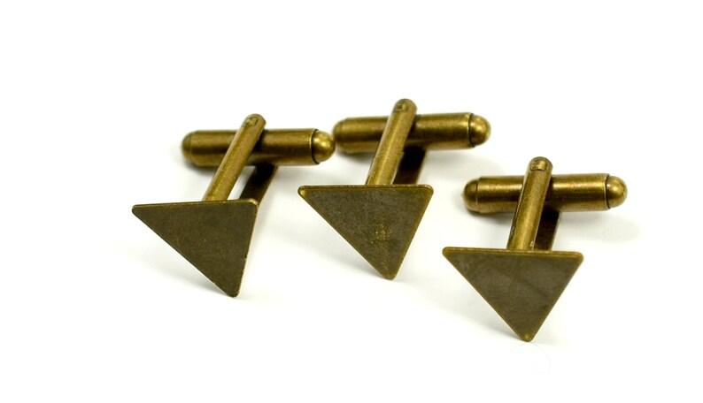 Antique Brass 14x14x14 mm Triangle Glue Pad Cuff Links Blanks 5 Pairs 10 Pcs.