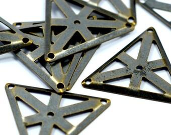 20 Pcs.  Antique Brass 25x25x25 mm Triangular Findings