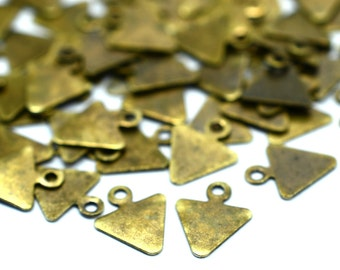 150 Pieces Antique Brass 8x10 mm Triangle Small Findings