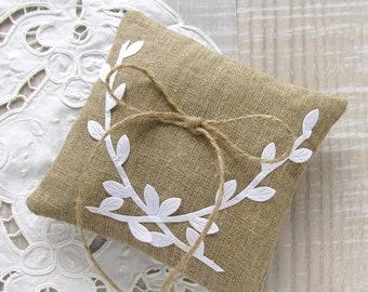 Wedding ring pillow, Burlap bearer pillow, Rustic wedding pillow, Boho ring cushion, White leaves pillow, Wedding decoration, Bridal party