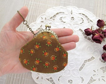 Keychain purse, Brown coin purse,  Floral change pouch, Small retro style purse, Fabric fob purse with kisslock, Gift case, Cotton USB pouch