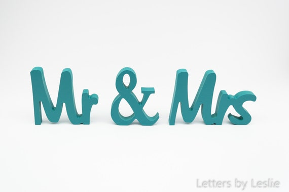Wedding Gift, Bridal Shower Decor, Engagement Gift, Wedding Sign, Bridal Shower Gift, Mr and Mrs Sign, Wedding Decor, Wedding Table Decor