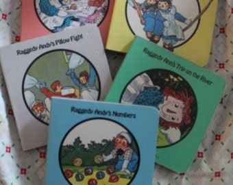 Raggedy Ann and Raggedy Andy 5 miniature books