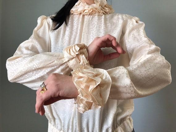 vintage 80s silk blouse   JERRI SHERMAN leaf prin… - image 5