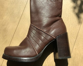 6be1caa505a2 90s Brown Candies Chunky Platform Boots