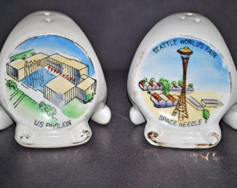WORLD'S FAIR Salt and Pepper Shakers - Vintage 1962 SEATTLE