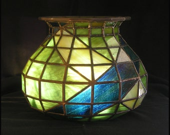 Tiffany style stained glass bowl