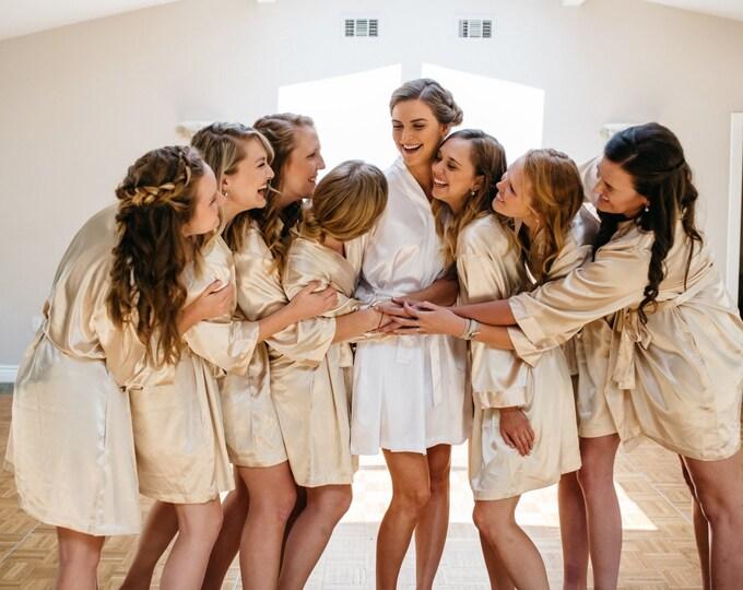 Bridesmaid Robes, Set of 8, Satin Robes, Bridesmaids Gifts, Wedding Party, Monogrammed Bridal Party Robes, Silk Bridesmaid Robes, Silk Robe