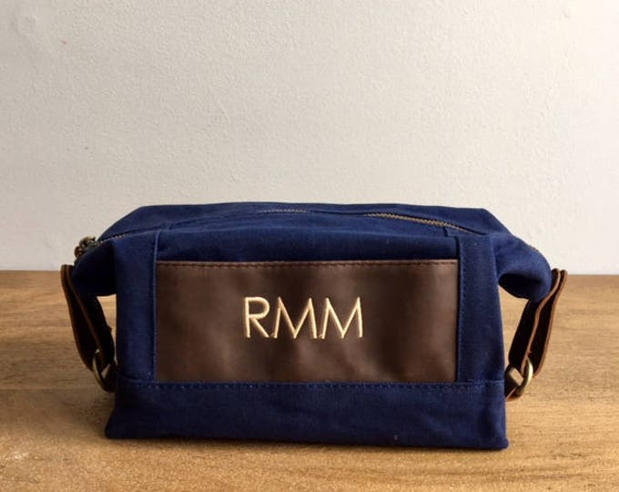 Monogrammed Groomsmen Bags, Set of 8, Dopp Kits, Personalized Toiletry Bag, Waxed Canvas Leather Bag, Groomsmen Gift, Grooms Gift
