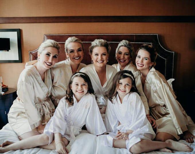 Bridesmaid Robes, Set of 4, Satin Robes, Bridesmaid Gifts, Wedding Party, Monogrammed Bridal Party Robes, Silk Bridesmaid Robes, Silk Robe