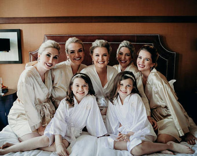 Bridesmaid Robes, Set of 10, Satin Robes, Bridesmaids Gifts, Wedding Party, Monogrammed Bridal Party Robes, Silk Bridesmaid Robes, Silk Robe