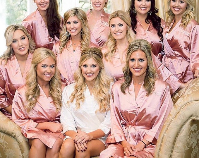 Bridesmaid Robes, Set of 7, Satin Robes, Bridesmaids Gifts, Wedding Party, Monogrammed Bridal Party Robes, Silk Bridesmaid Robes, Silk Robe