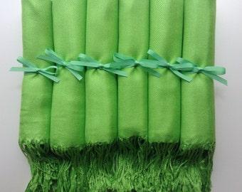 Apple green wedding giveaways