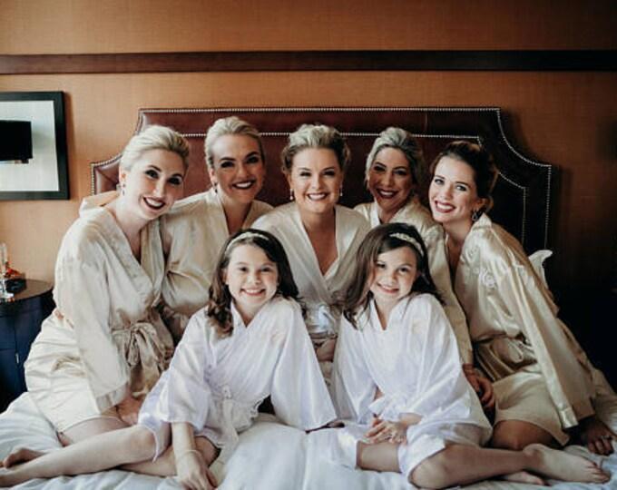 Bridesmaid Robes, Set of 7, Satin Robes, Bridesmaids Gifts, Wedding Party, Monogrammed Bridal Party Robes, Silk Bridesmaid Robes, Silk Robe