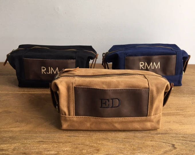 Monogrammed Groomsmen Bags, Set of 4, Dopp Kits, Travel Bag, Toiletry Bag, Waxed Canvas Leather Bag, Groomsmen Gift, Grooms Gift