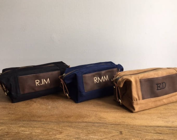 Monogrammed Groomsmen Bags, Set of 10, Mens Travel Bag, Personalized Toiletry Bag, Waxed Canvas Leather Bag, Groomsmen Gift, Grooms Gift
