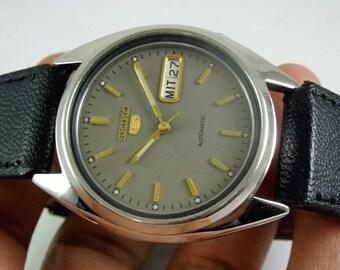 57a8708bd56 montre Seiko montre automatique seiko5 7009 hommes montre