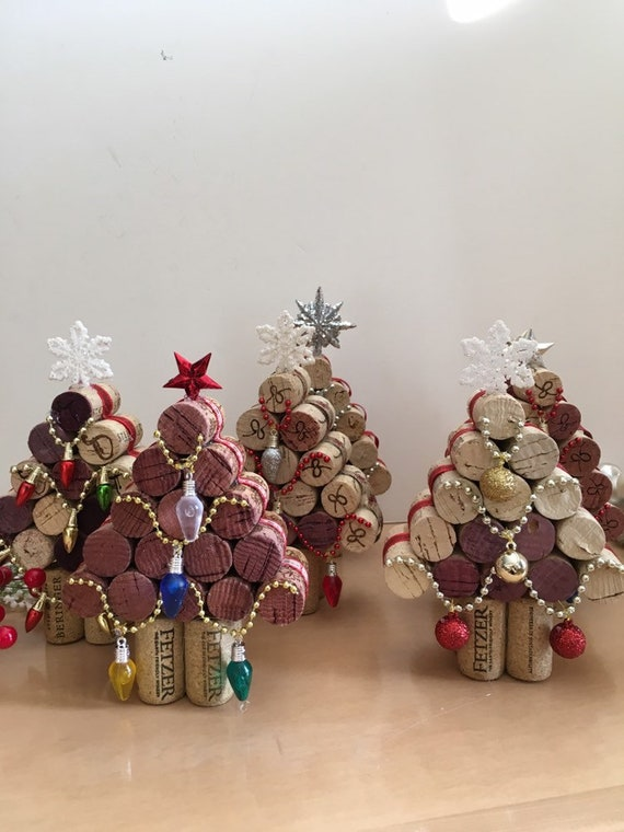 Wine Cork Christmas Tree.Wine Cork Christmas Tree Upcycled Cork Christmas Decorations Small Tree