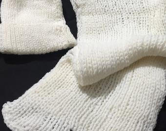 1307c3b3f6556 Sparkly Snow-White Hand-knit Hat   Scarf Set