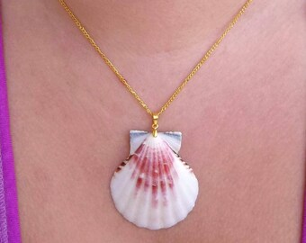 """Real Natural Dark Pink And White Scallop Shell Seashell Simple Ocean Beach Mermaid Clam Tropical Bohemian Island Gold Pendant Necklace 18"""""""