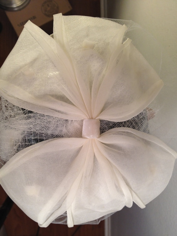 For the Bride -- 1950s Wedding Veil - image 4