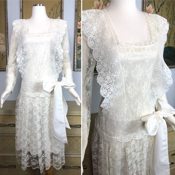 Vintage 1980s Lace Dress -- Romantic Lace Details,