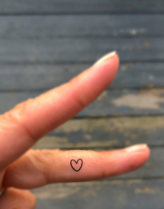 Tattoo Herz Finger