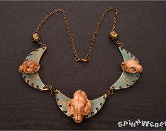 Cat Shaman Collier - necklace, cat skull, Tribal, metal beads, resin, patina, black, red, green, brown, leather, bronze handmade